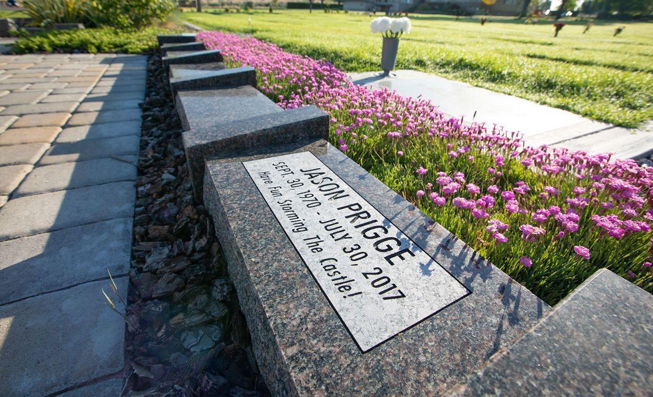 sg-cenotaph-ex1